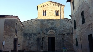 The magic hamlet of Badia a Isola in Tuscany, nice destiation for the slow travel in Chianti with Km Zero Tours. Touring in Organic Farm, Cooking Classes, Wine tours, Relax, Holidays