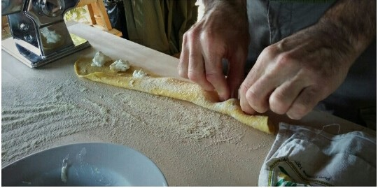 Homemade ravioli ina cooking classe in Chianti with Km Zero Tours Slow Travel Tuscany