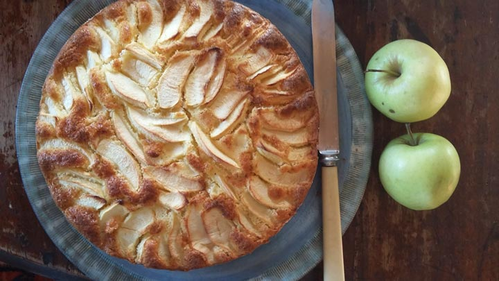 Apple pie recipe by Alessio Slow Food in Tuscany slow living in Chianti Km Zero Tours Slow Travel Tuscany 720x405